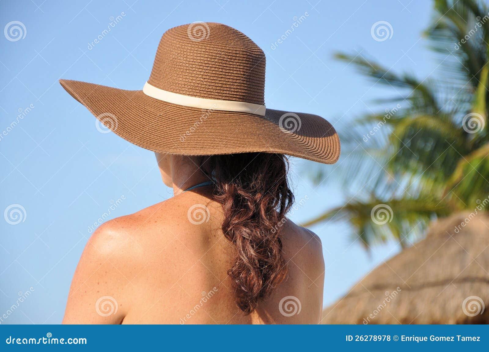 Kobieta przy plażą