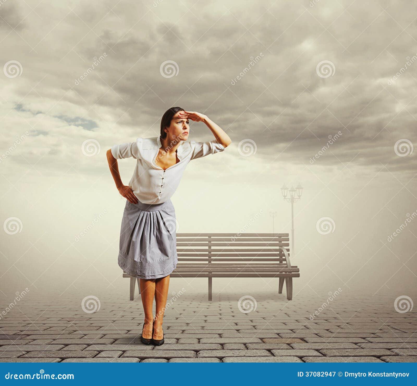 Download Kobieta Stawia Jej Palmy Czoło Obraz Stock - Obraz złożonej z zerkanie, ręka: 37082947