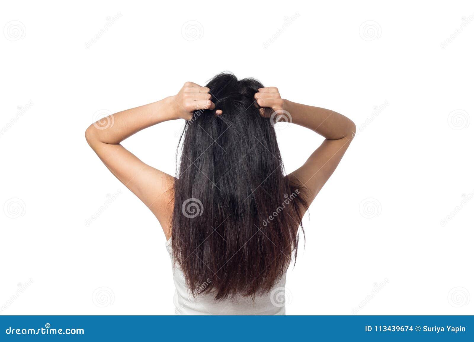 Kobieta swędzący skalp itchy jego włosy