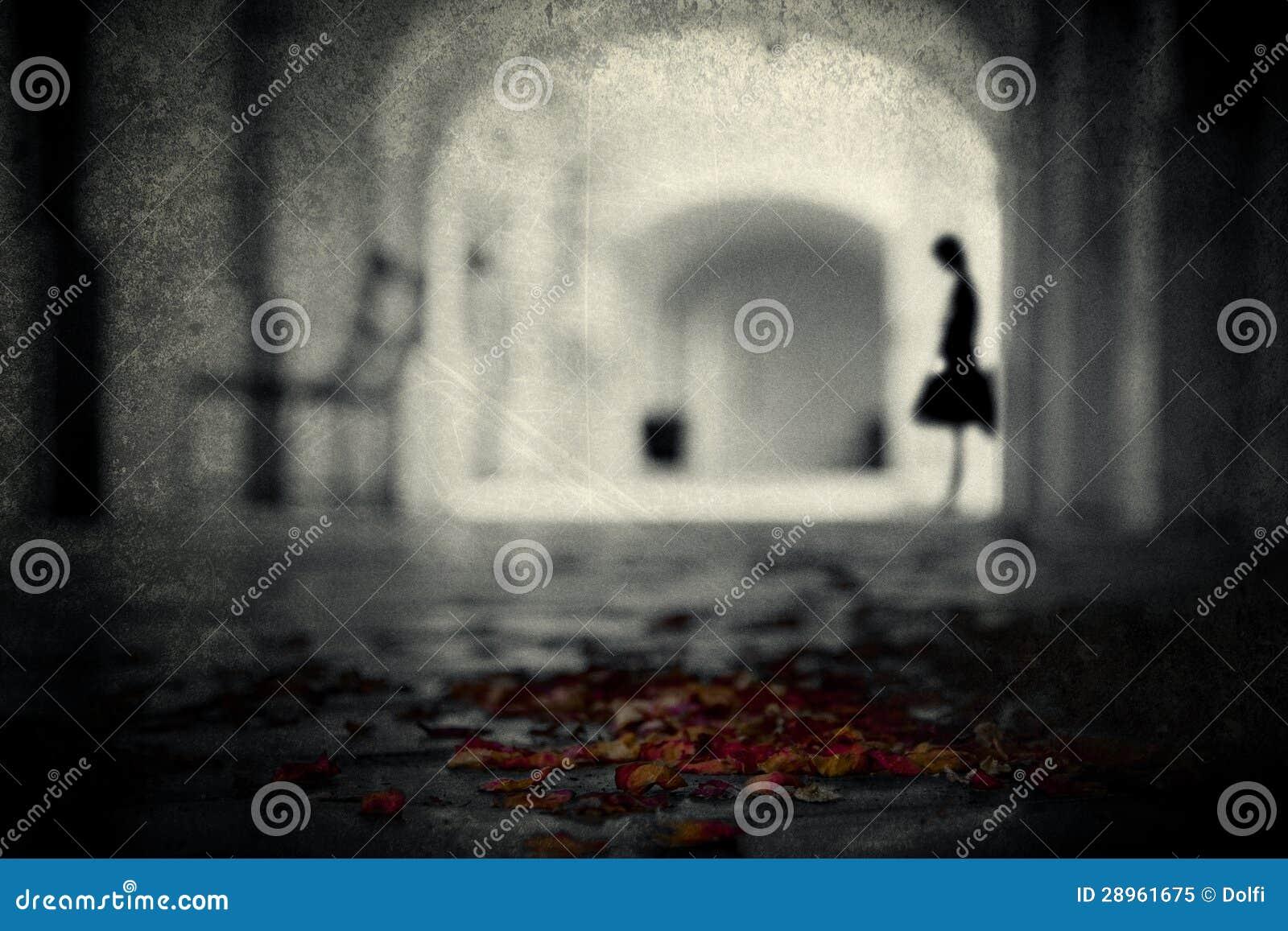Kobieta w archway