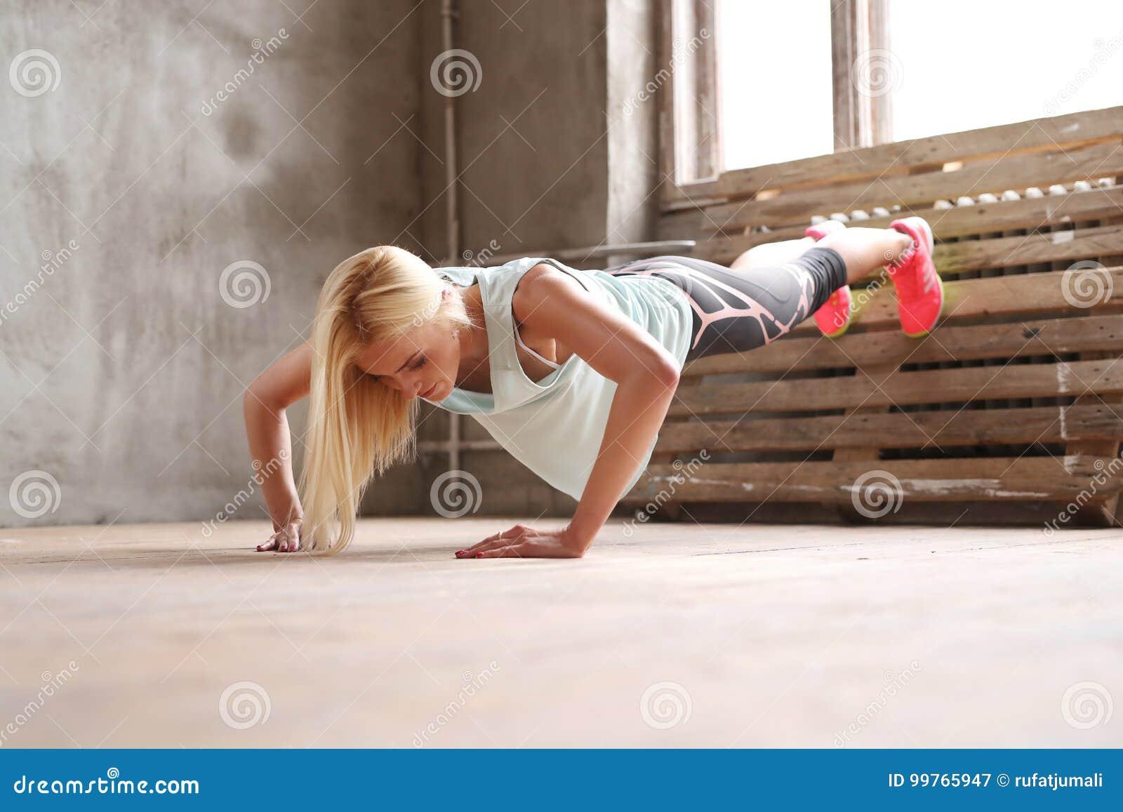 Kobieta W Gym