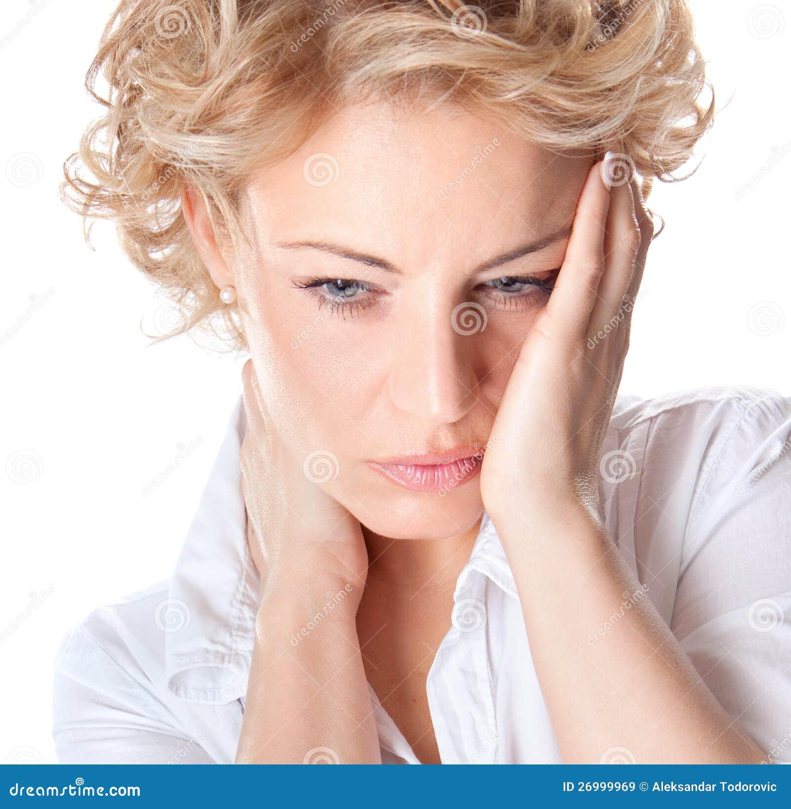 Kobieta z bólem w jej szyi