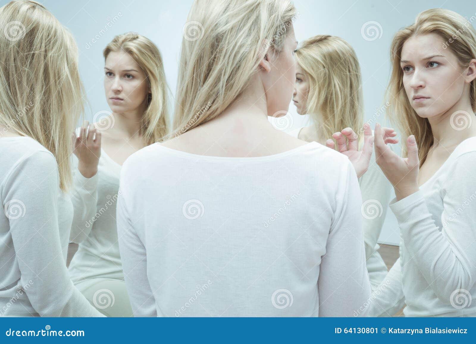 Kobieta z rozszczepioną osobowością