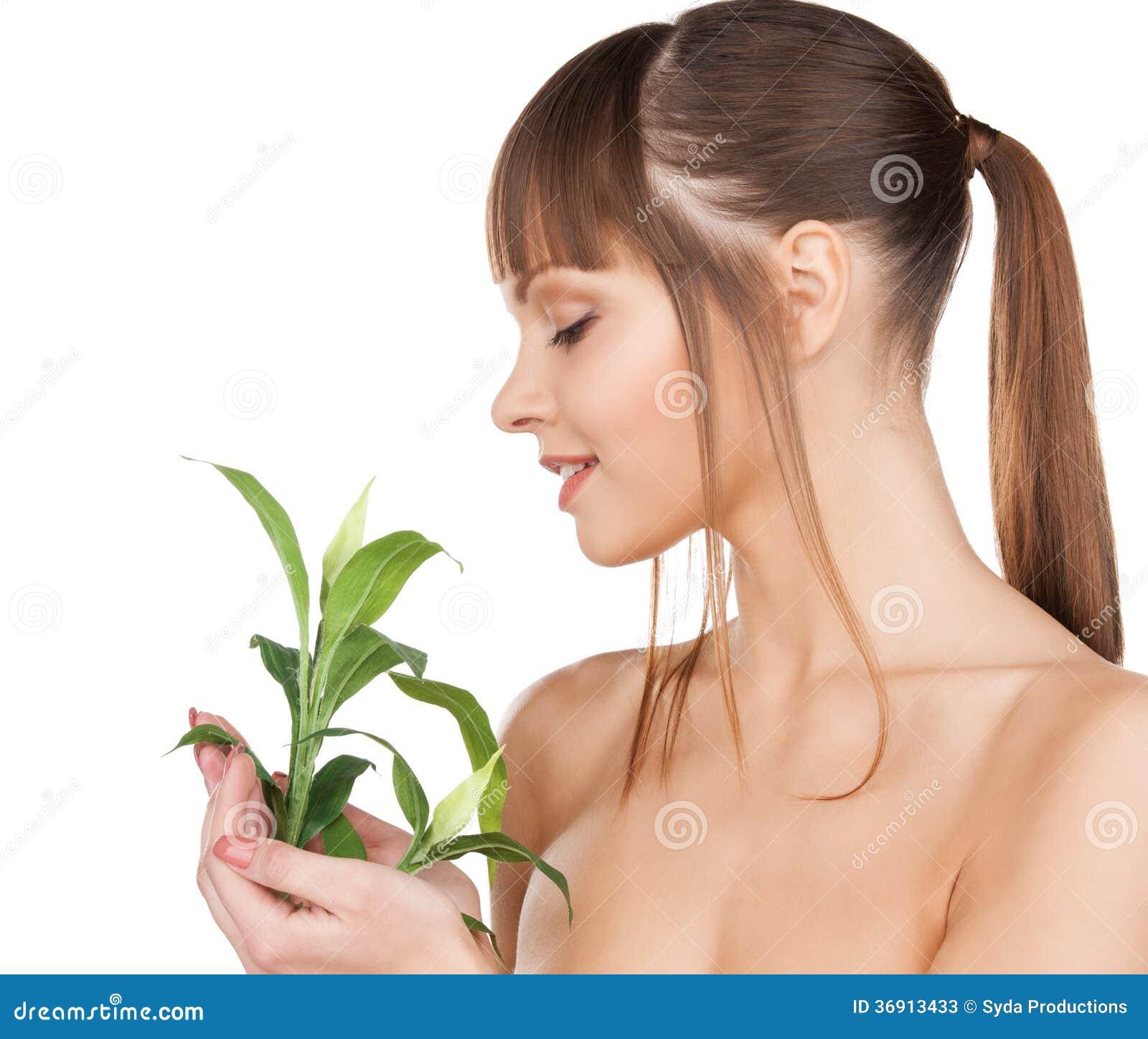 Kobieta z zieleni flancą