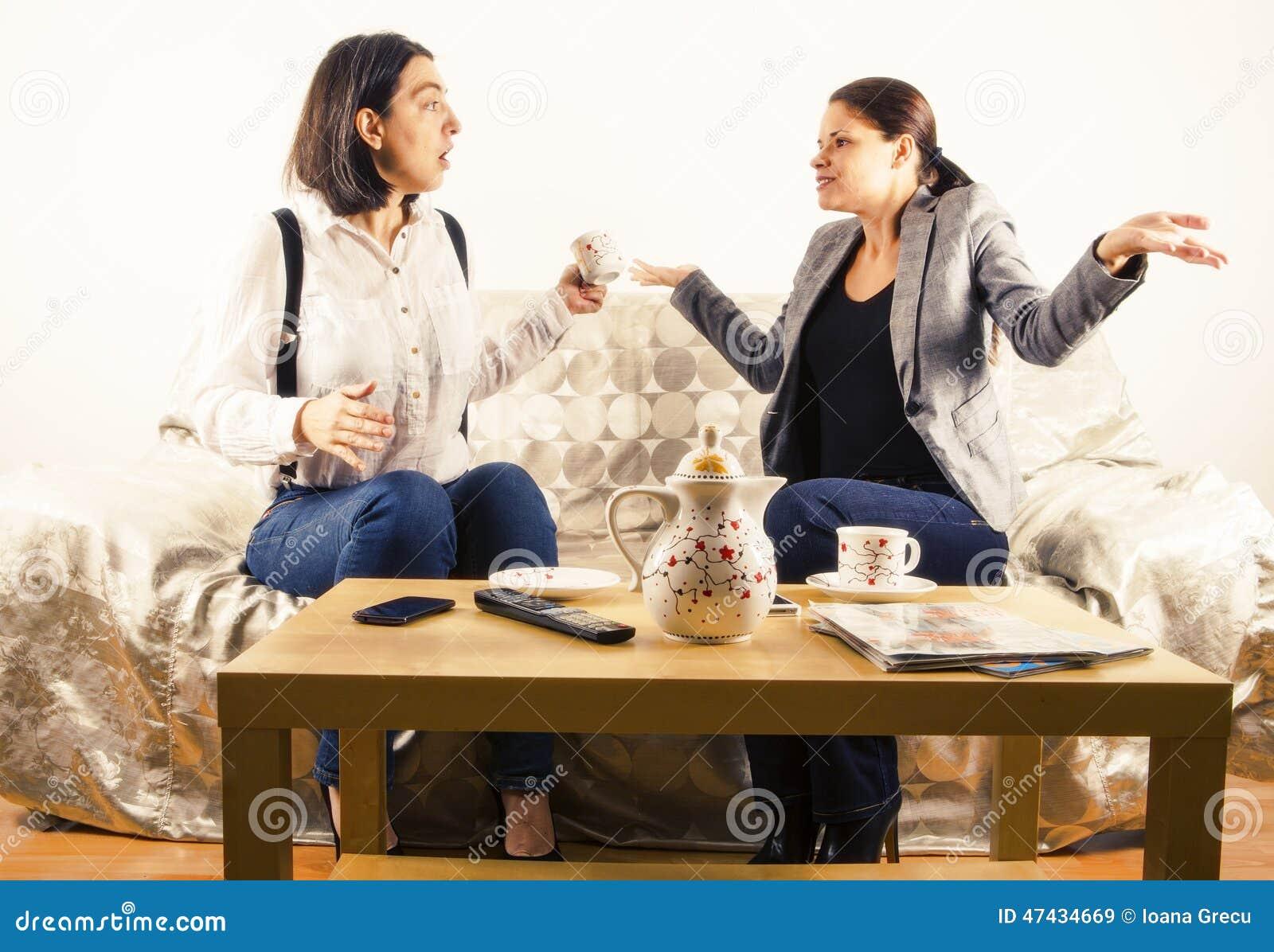 Kobiety angażować w rozmowie