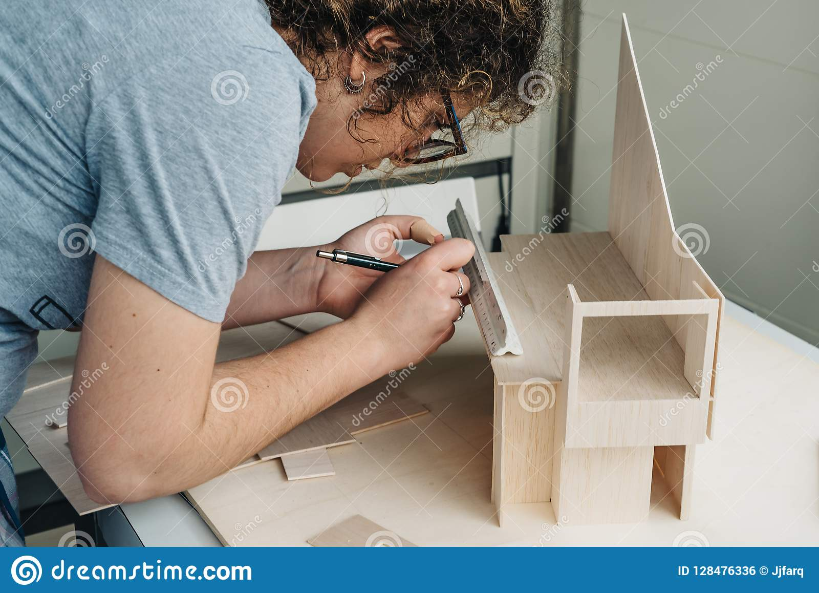 Kobiety architektury studencki działanie na modelach