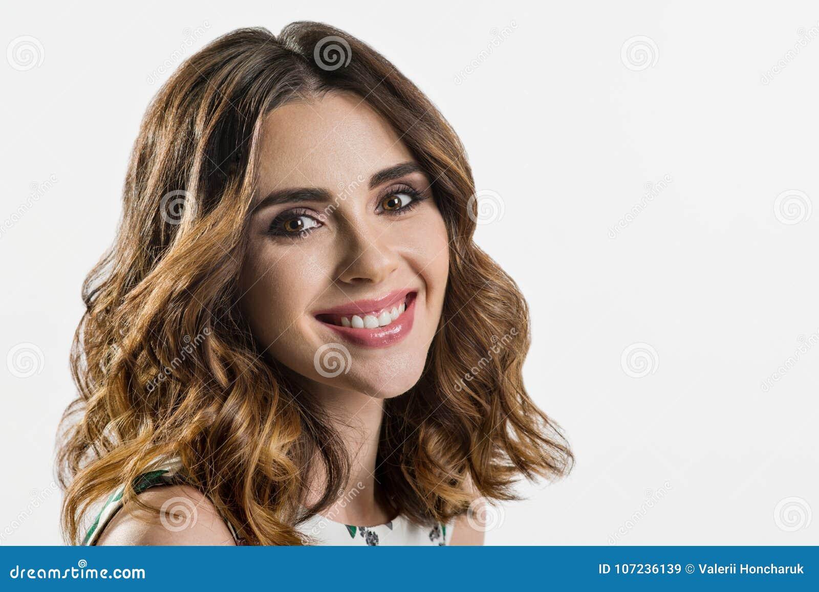Kobiety Ciemna Brunetka Długie Włosy Kręcone Włosy Mody