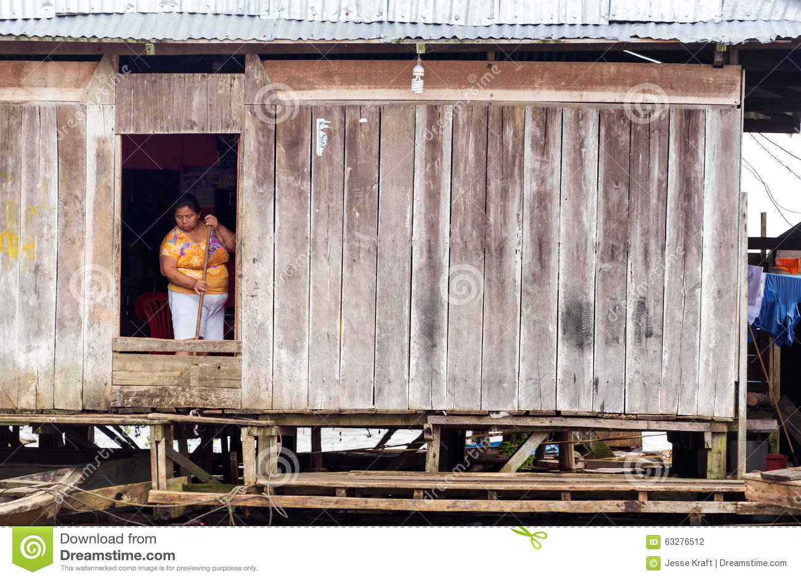 Kobiety Cleaning w Iquitos, Peru
