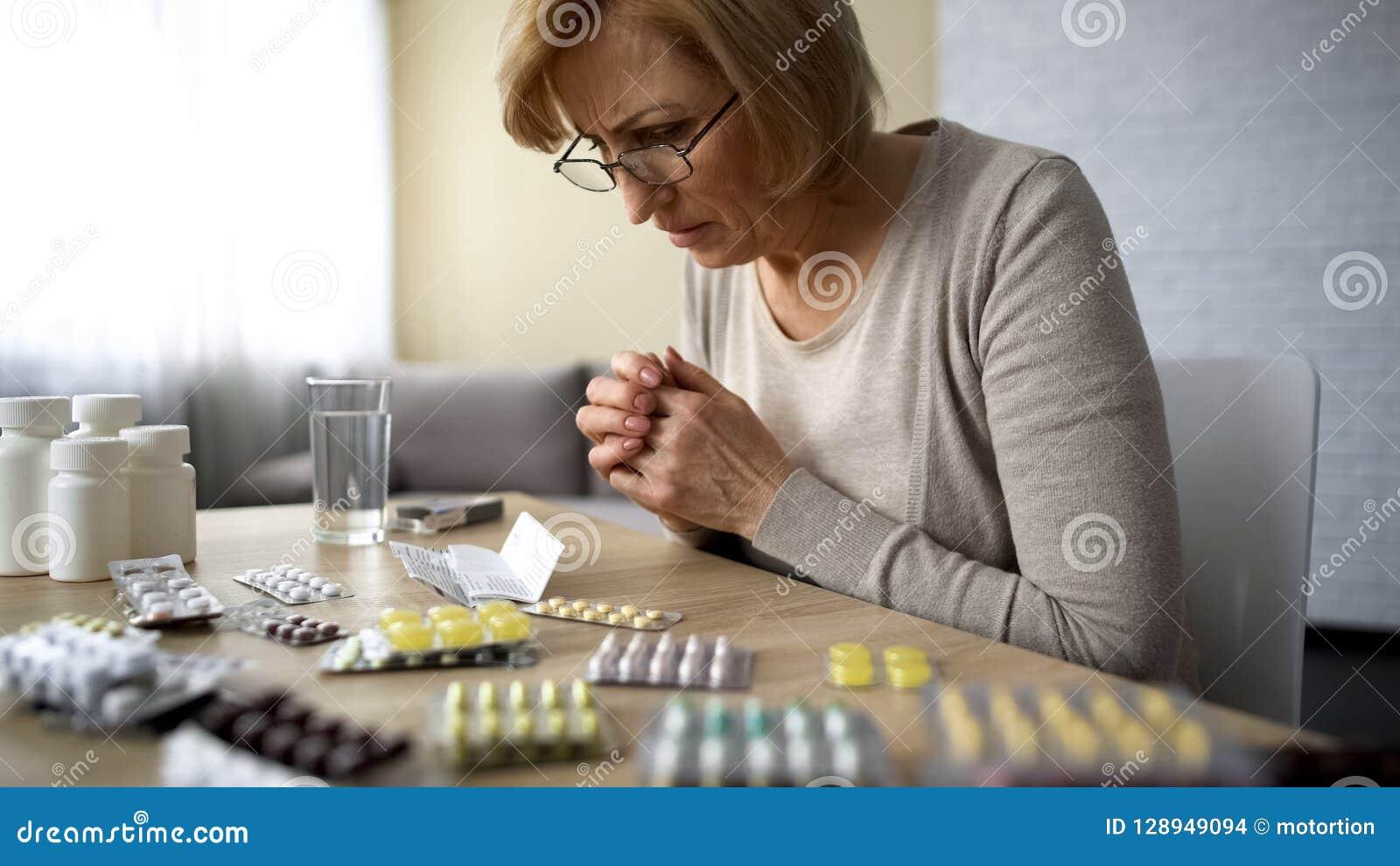 Kobiety czytelnicza recepta, efekt uboczny lekarstwo, starości choroby nałóg