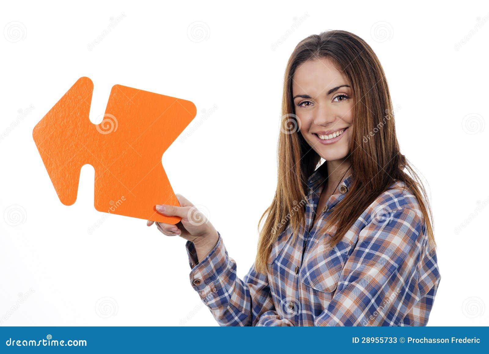 Kobiety mienia pomarańcze strzała
