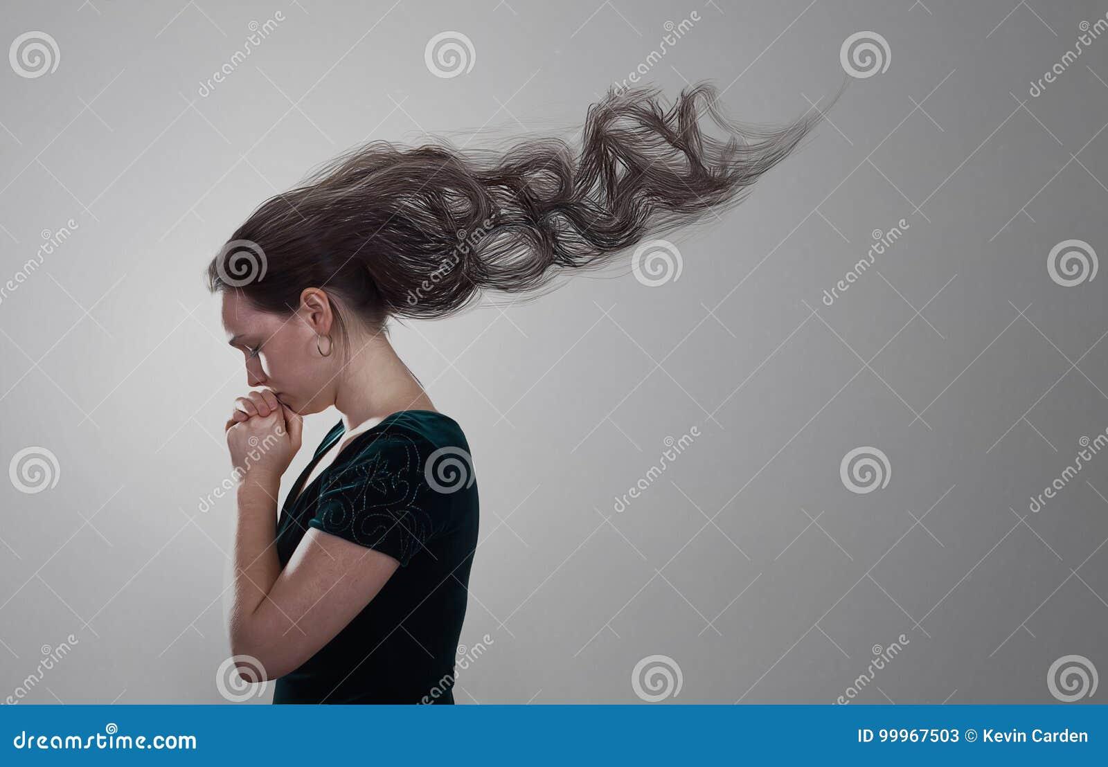 Kobiety modlenie z włosy