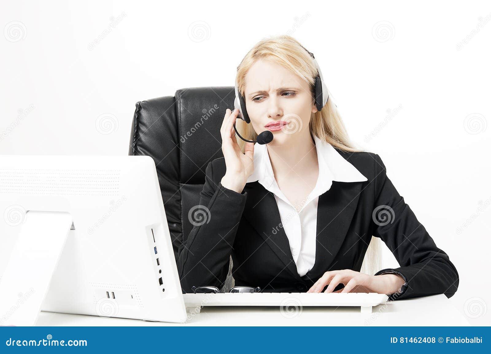 Kobiety obsługi klienta pracownik, centrum telefoniczne operator z telefon słuchawki