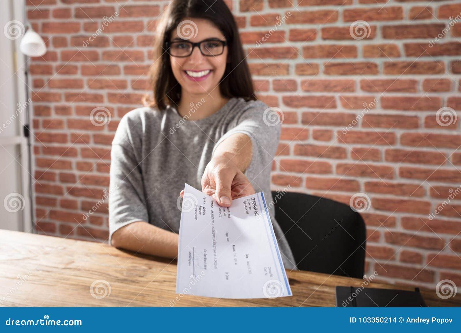 Kobiety Ofiara Firma kratka