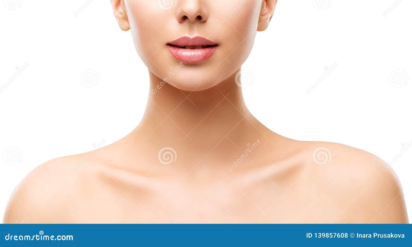 Kobiety piękna skóry opieka, Wzorcowa twarzy warg szyja i ramiona na bielu,