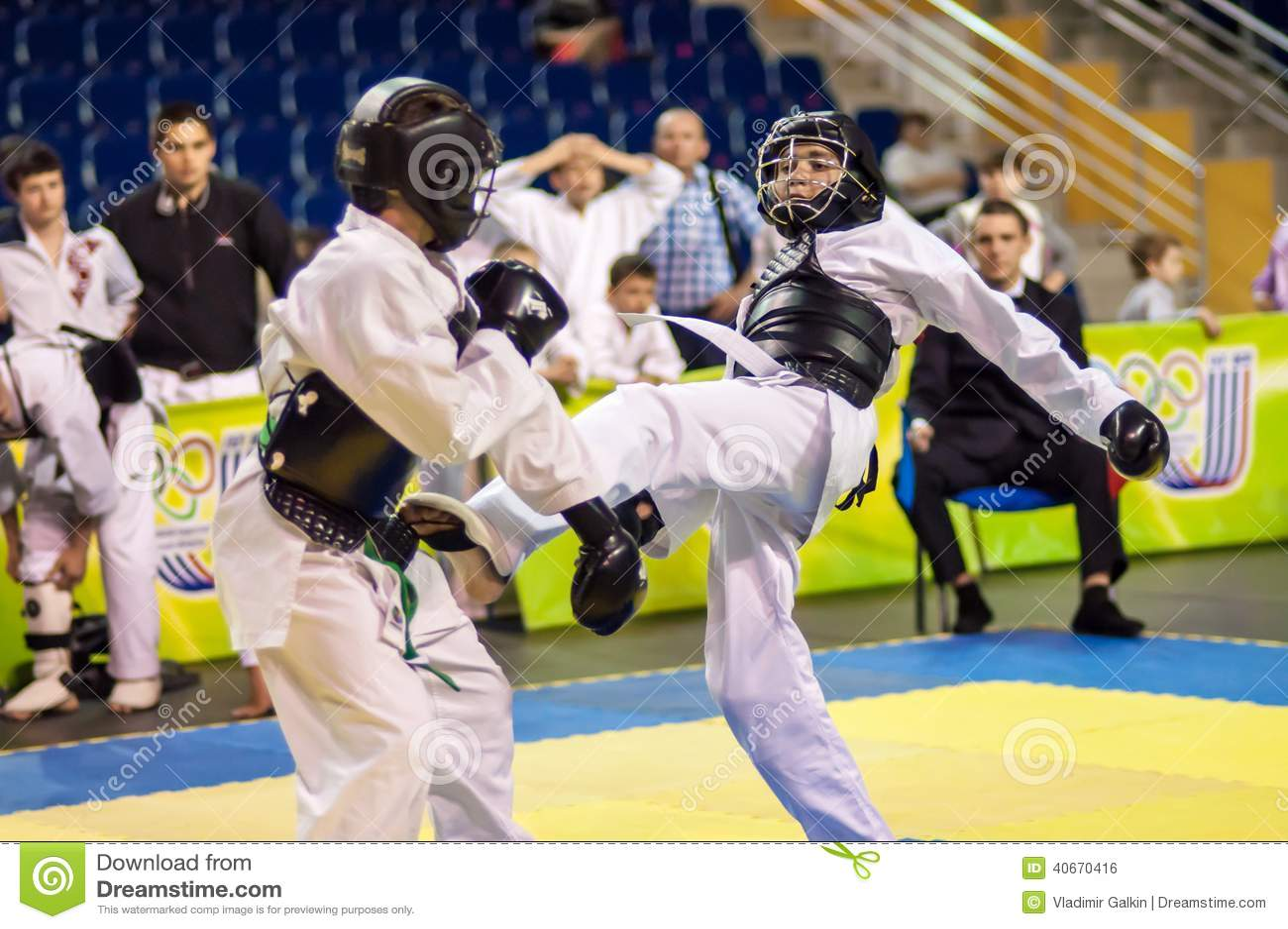 Kobudo competition between boys