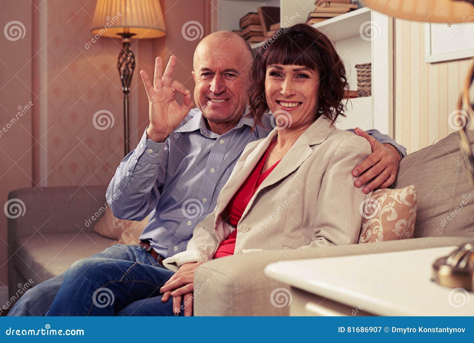 Kochająca para cieszy się ich czas