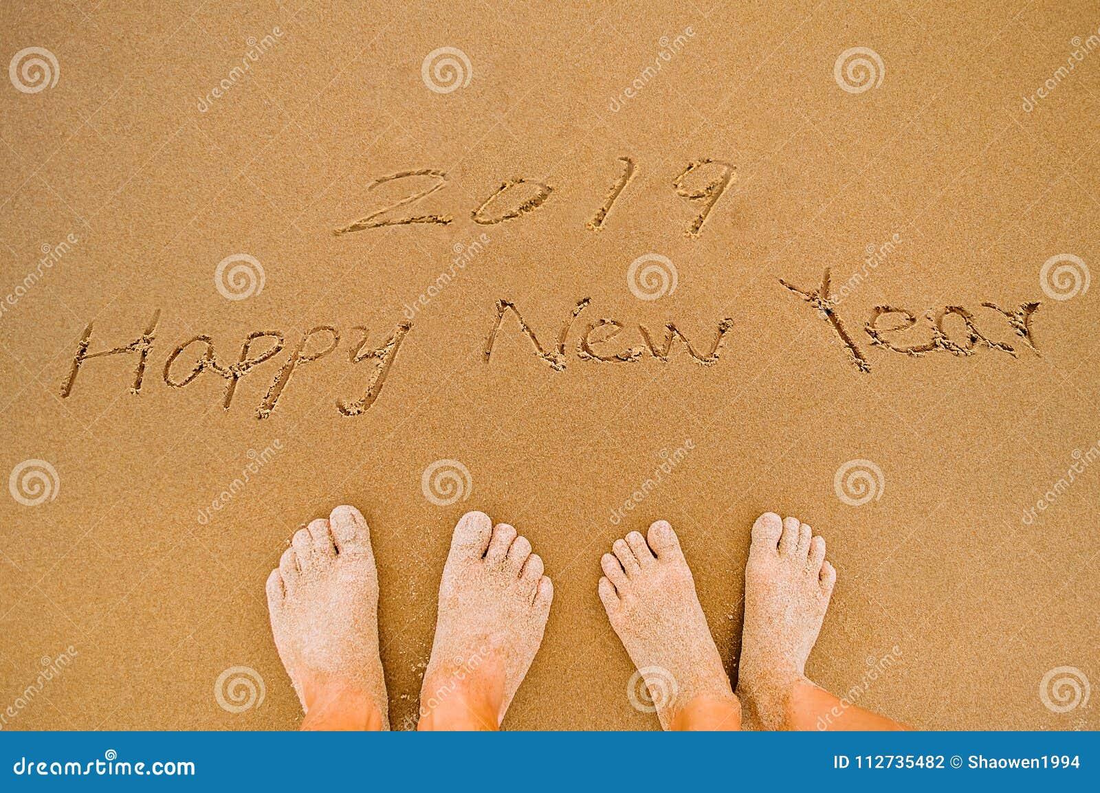 Kochanek Pisze 2019 szczęśliwych nowy rok na plaży