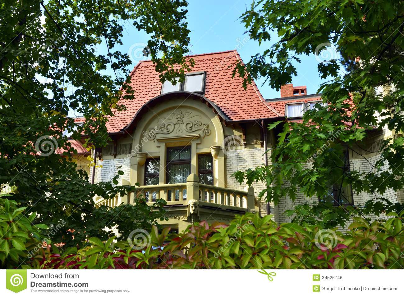 Koenigsberg and in kaliningrad ancient german mansion on for Beautiful classic houses