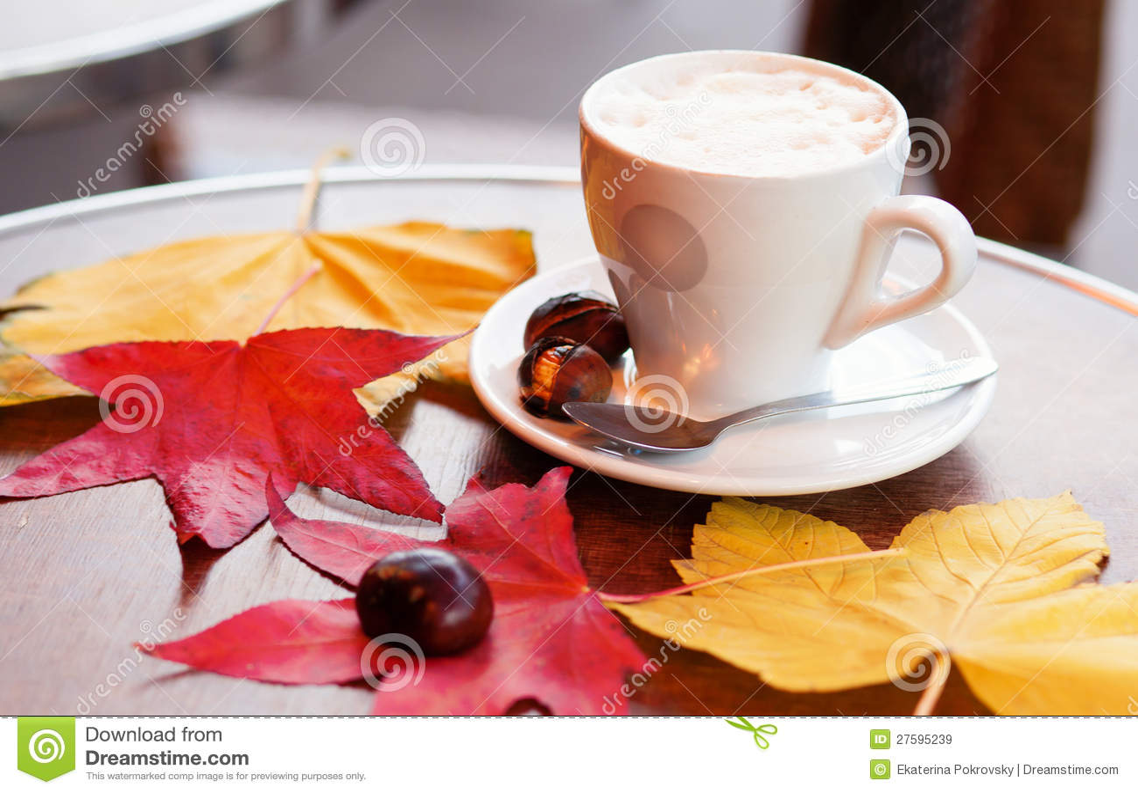 Koffie en gebakken kastanjes royalty vrije stock afbeeldingen afbeelding 27595239 - Parijs zoet ...
