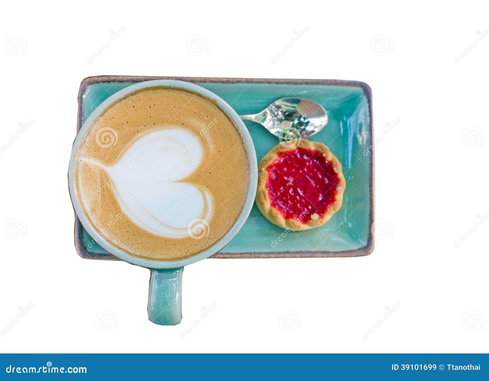 Koffie, hartvorm met aardbeikoekje