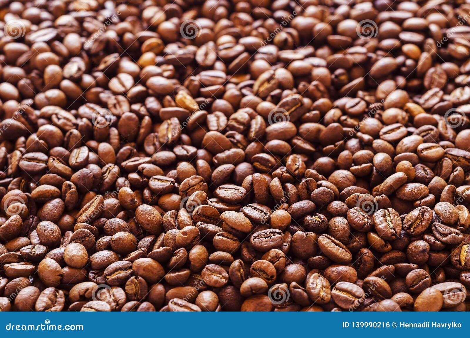 Koffiebonen die over oppervlakte 3 worden verspreid
