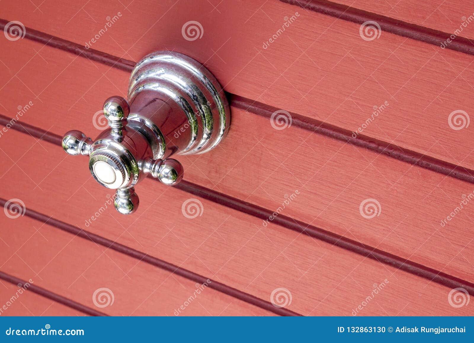 Kogelklep met roestvrij staalhandvat, met rode dichte muur