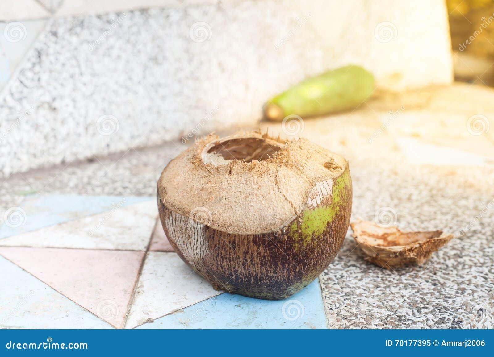 Kokosnöt på tabellen