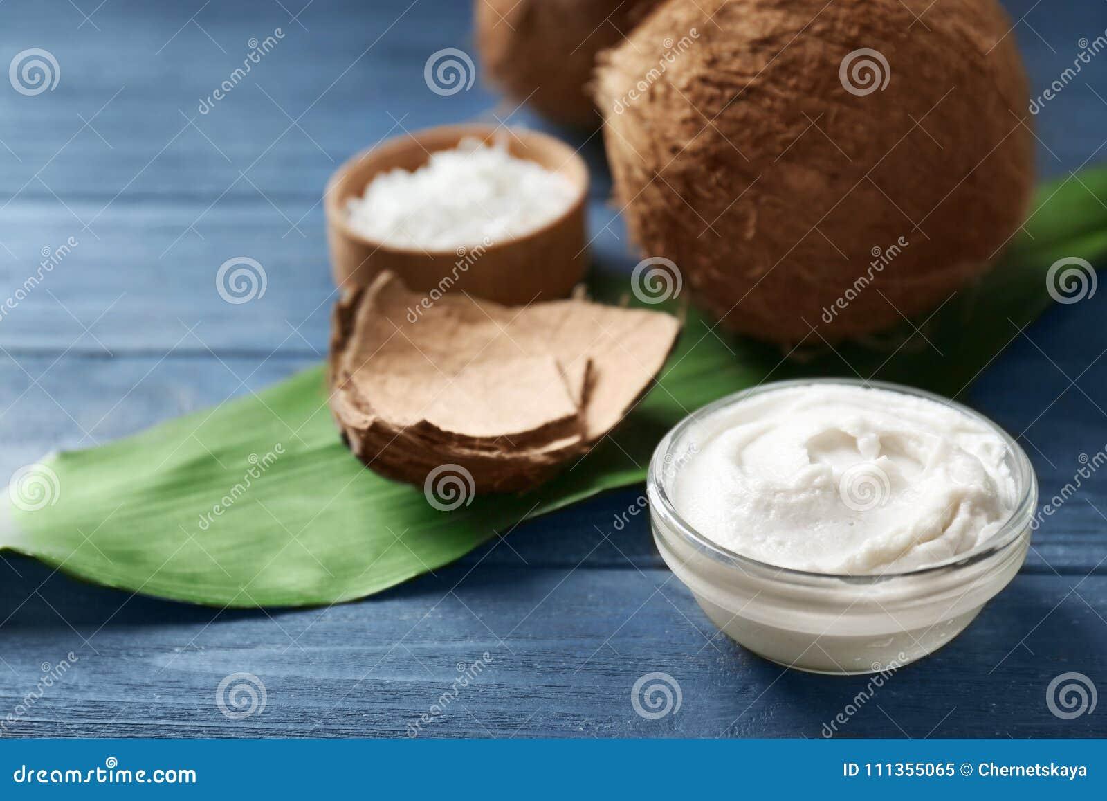 Kokosnotenroom in kom