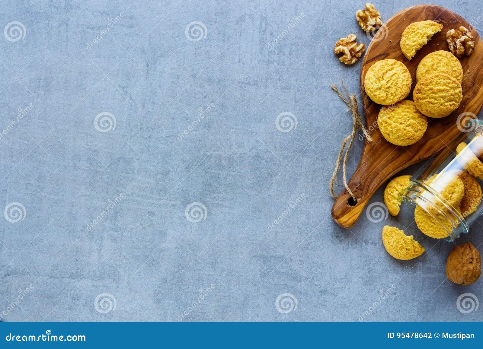 Koksu i orzecha włoskiego ciastka