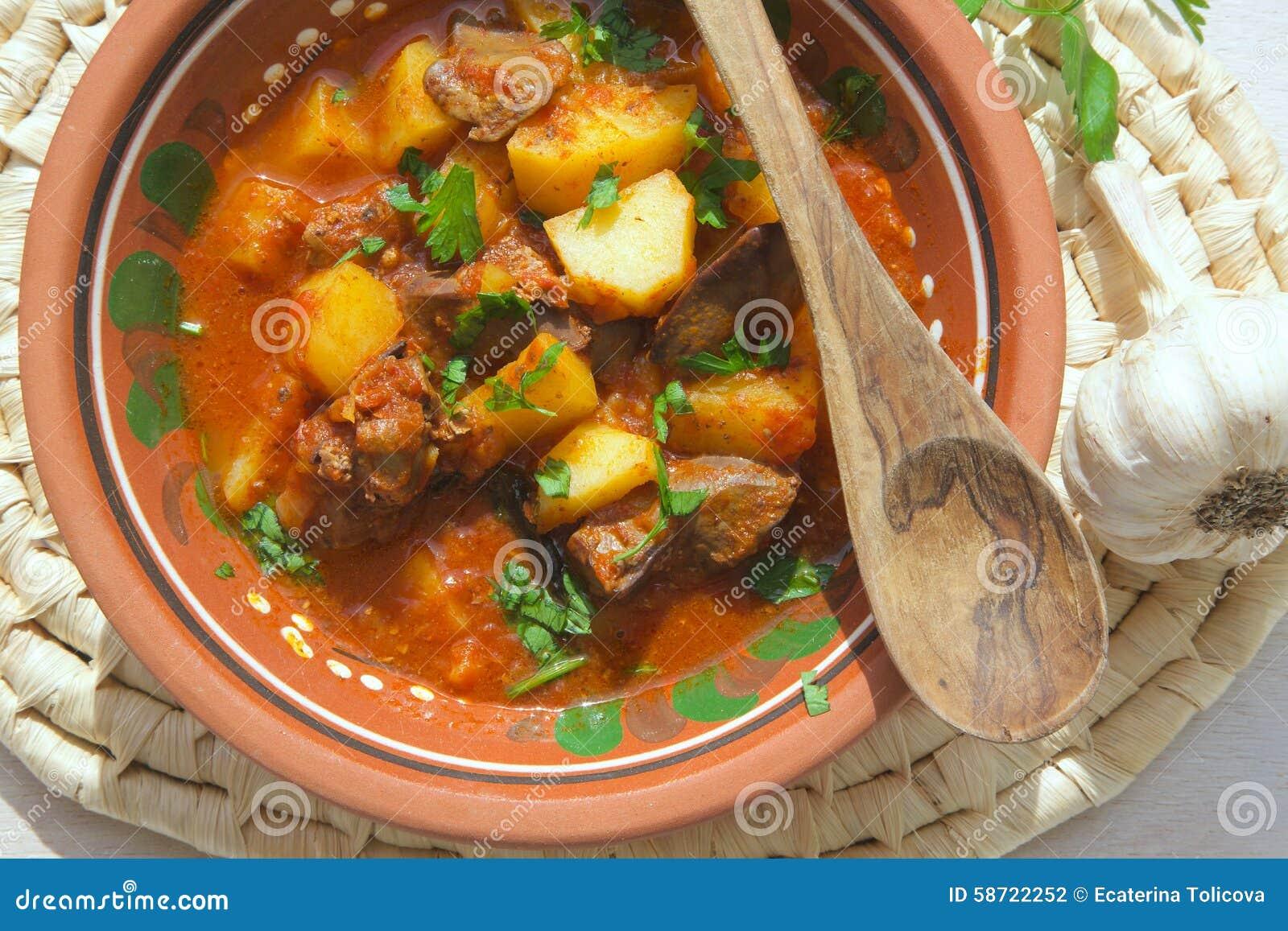 Kokta potatisar för ugn med feg lever