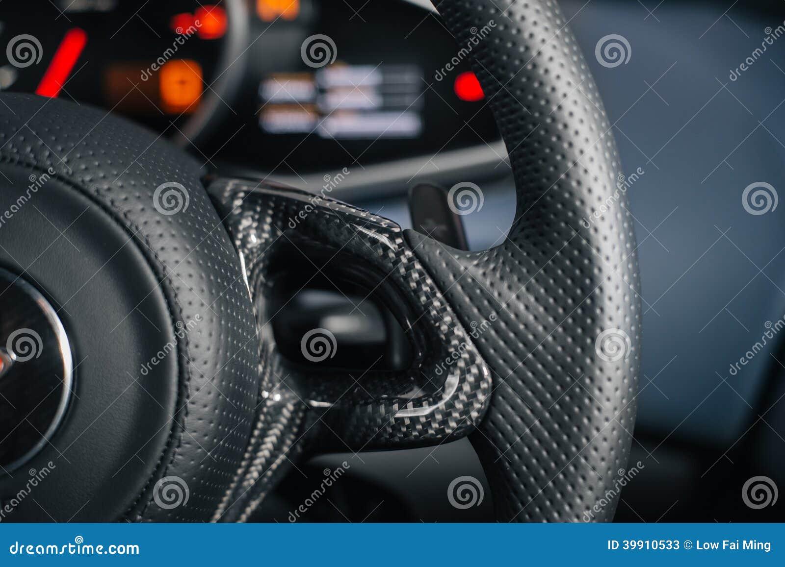 Kol på styrninghjulet