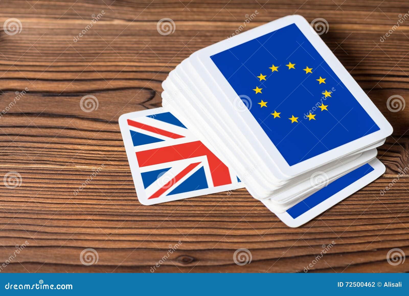 Kolaż na wydarzenia Brexit UE referendum UK pojęciu sh karciana gra