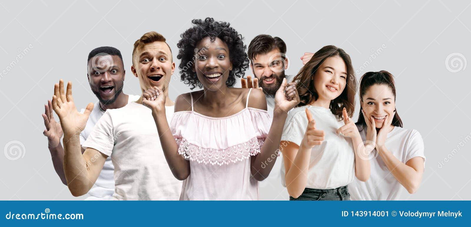 Kolaż twarze zdziweni ludzie na białych tło