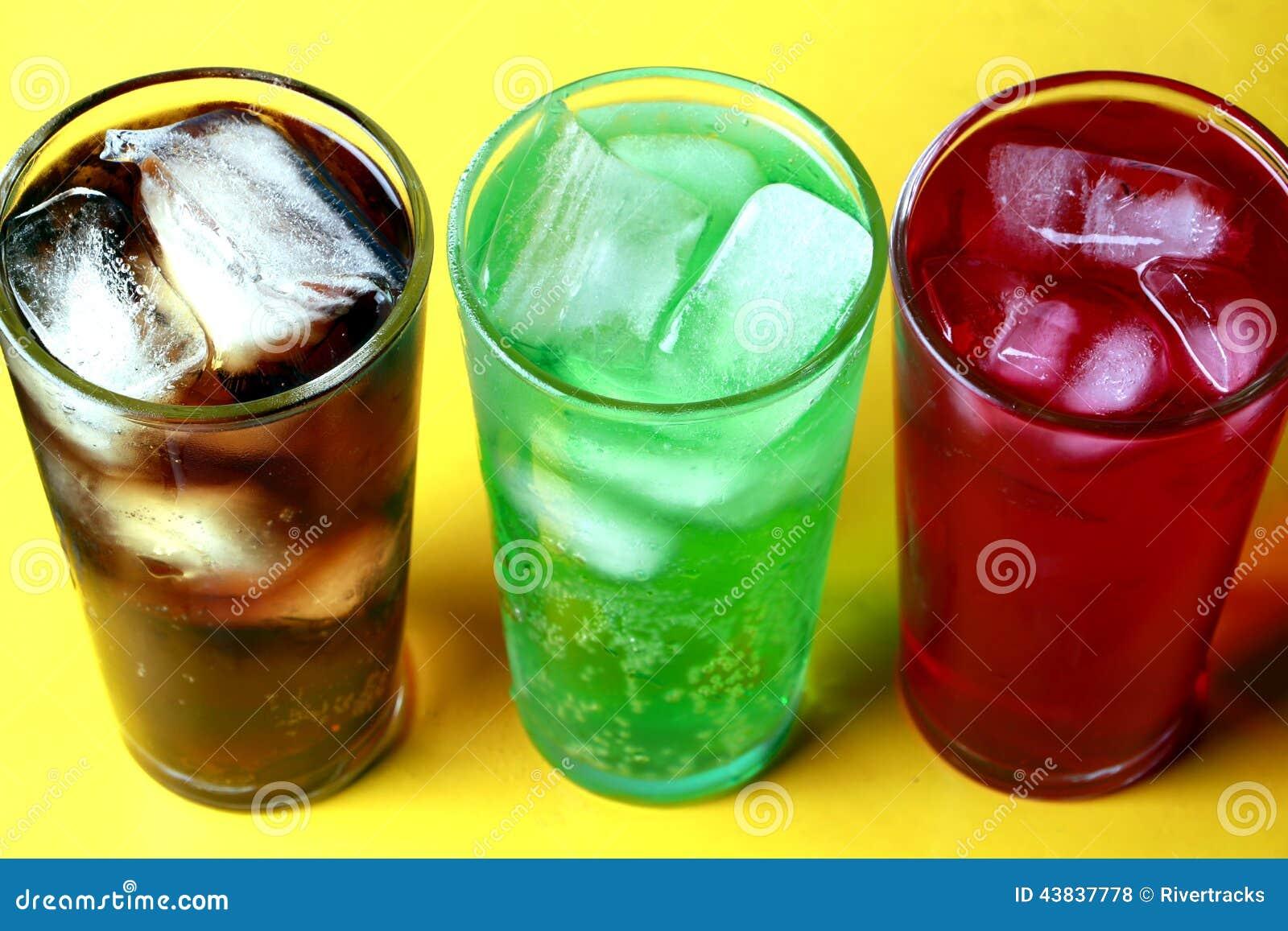 Kola, van de roomsoda en van de frambozensoda bruisende dranken