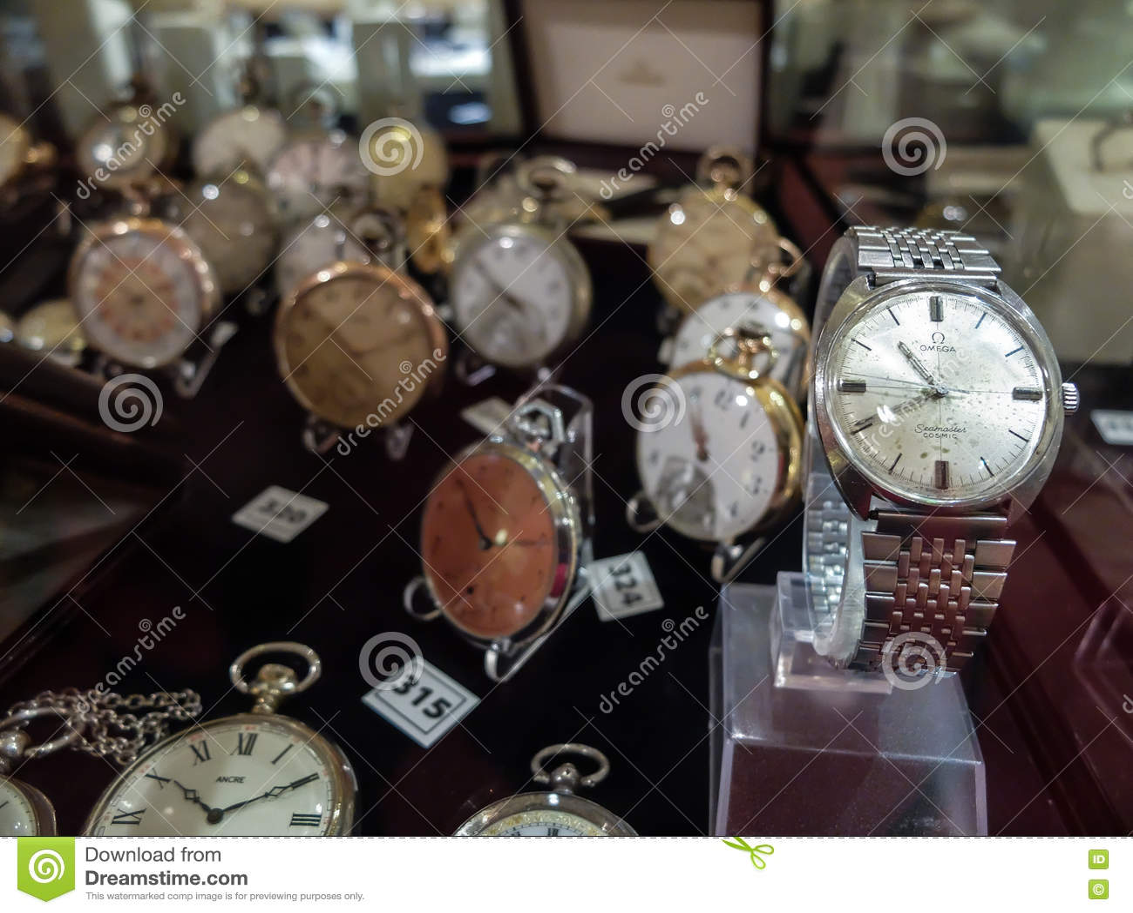 Kolekcja zegarki dla sprzedaży
