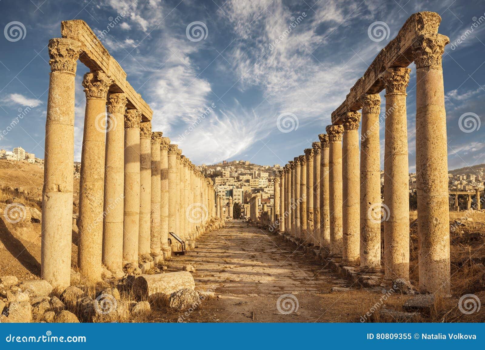 Kolommen van cardomaximus, Oude Roman stad van Gerasa van Antiquiteit, moderne Jerash