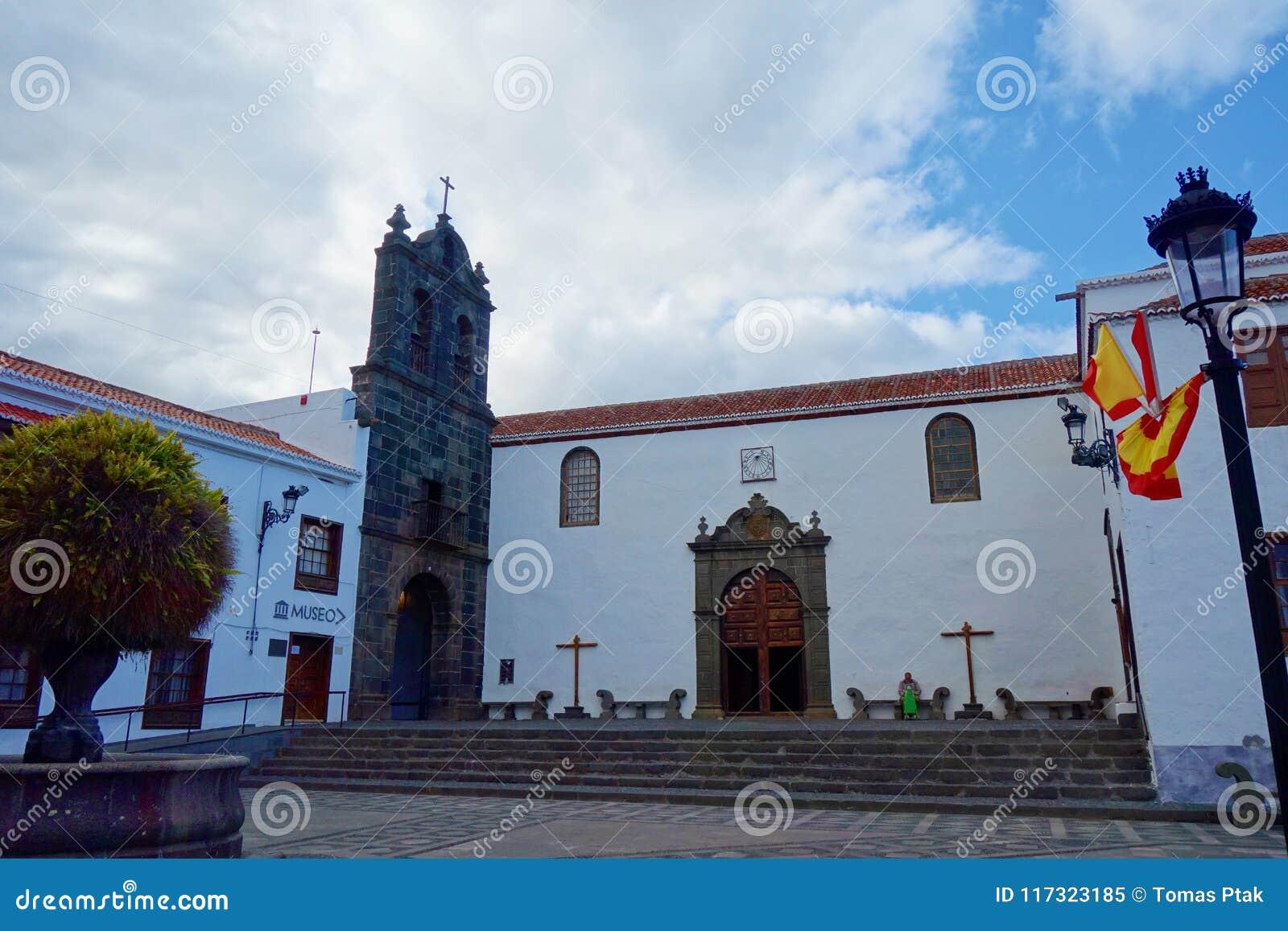 Kolonial färgrik stadsmitt av Santa Cruz de la Palma, kanariefågelöar, Spanien