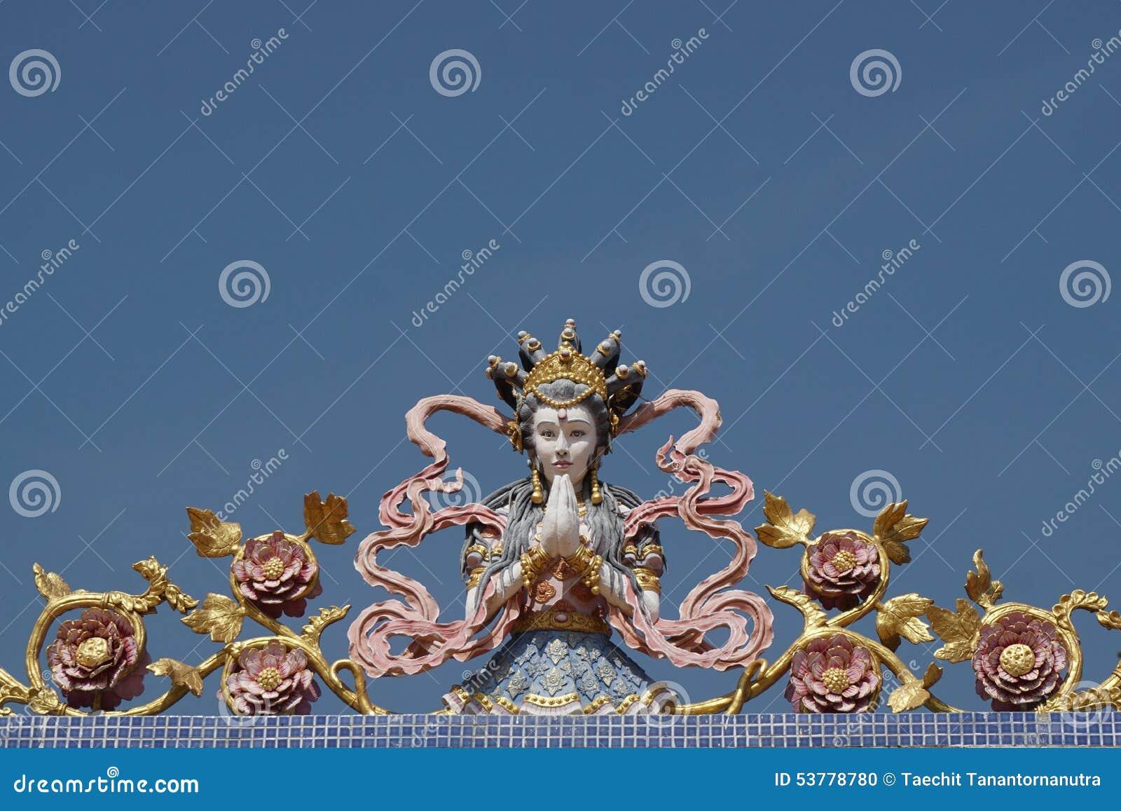 Kolorowa Chińska anioł rzeźba