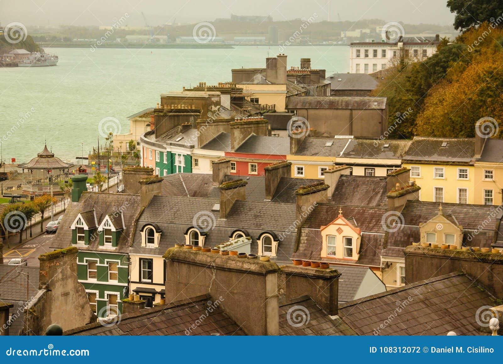 Kolorowe domów Cobh Irlandia