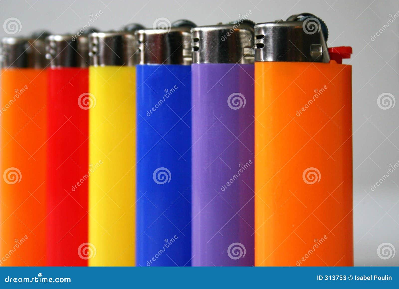 Kolorowe zapalniczki