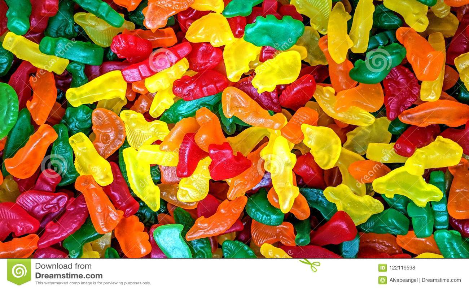 Kolorowi cukierki w luźnych zwierzęcych kształtach