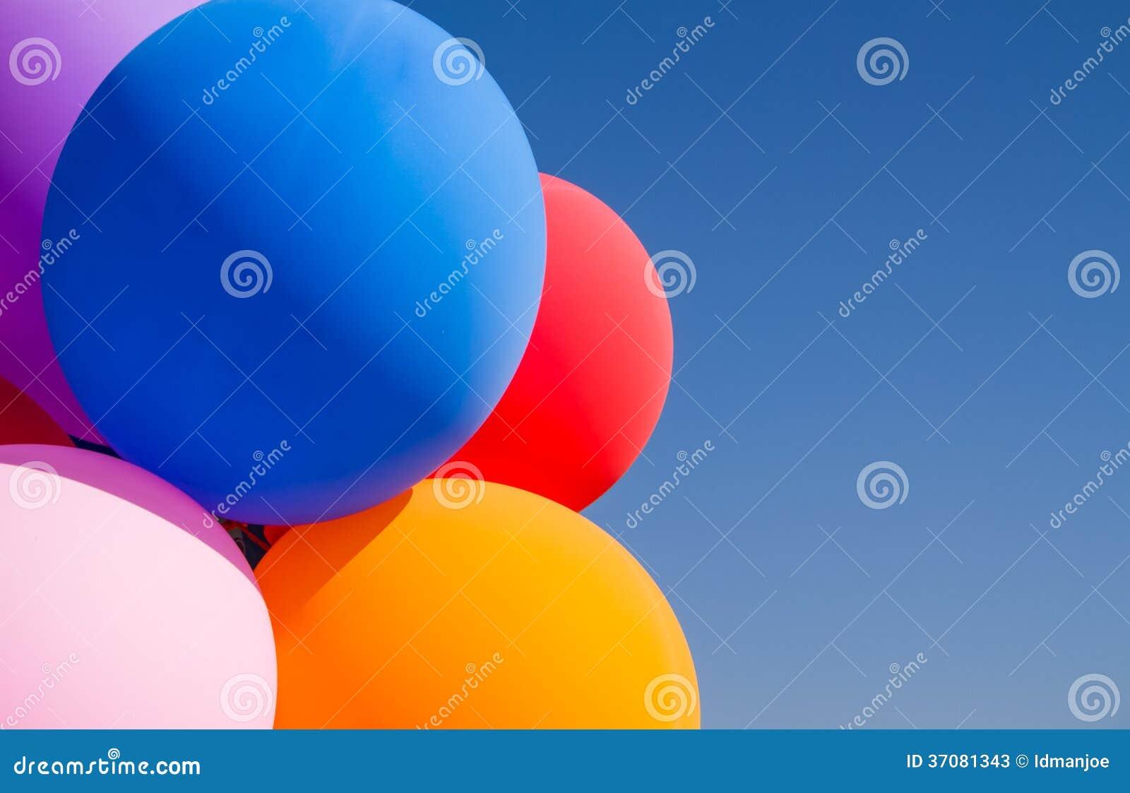 Download Kolorowy balon obraz stock. Obraz złożonej z wolność - 37081343