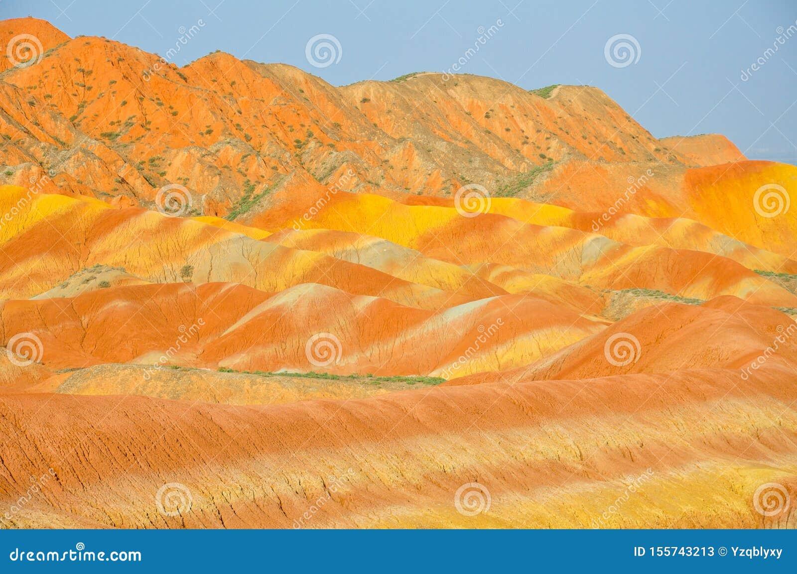 Kolorowy góry landform