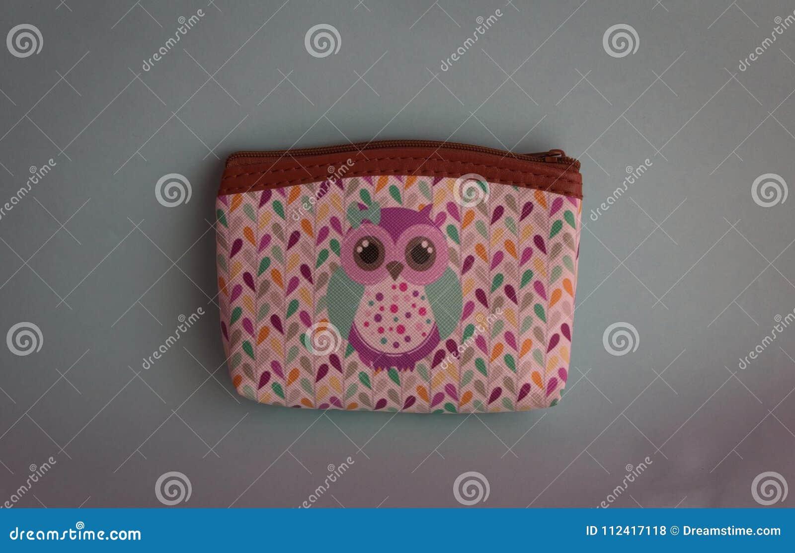 Kolorowy portfel z wizerunkiem sowa