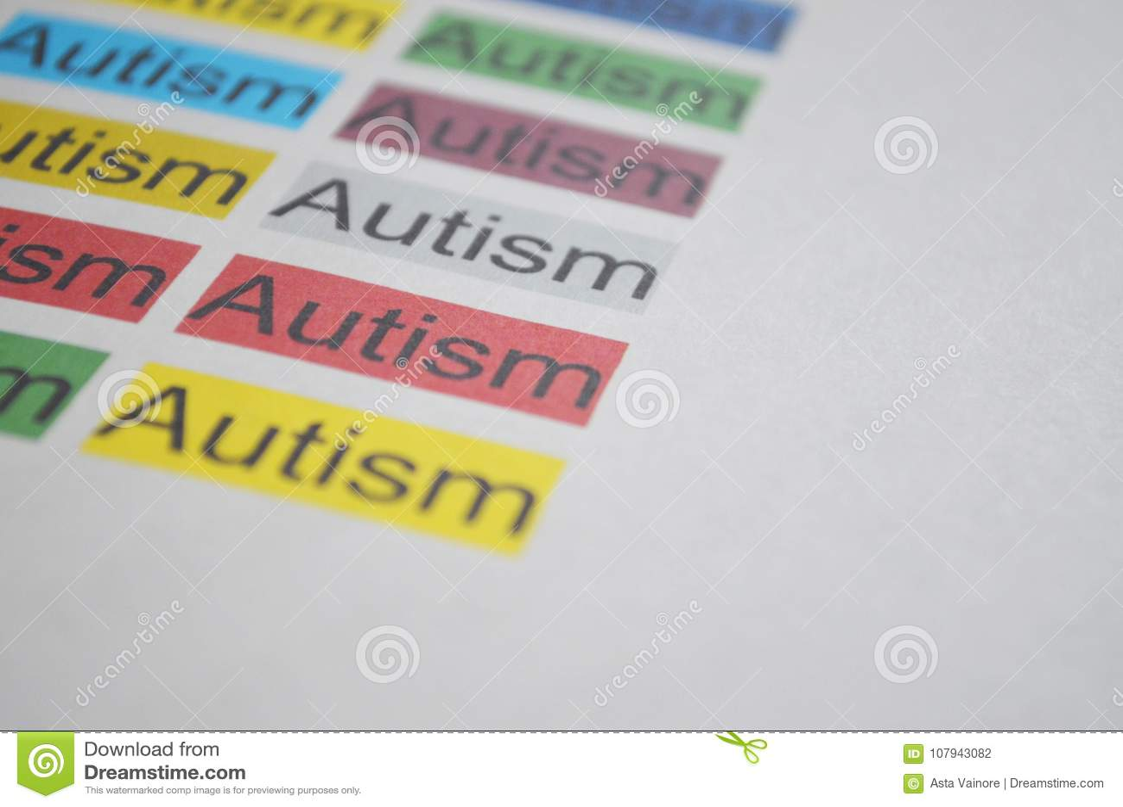 Kolorowy słowo autyzm, zamyka up