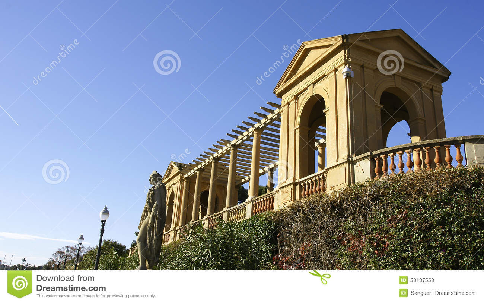Kolumnada w kącie pałac Pedralbes
