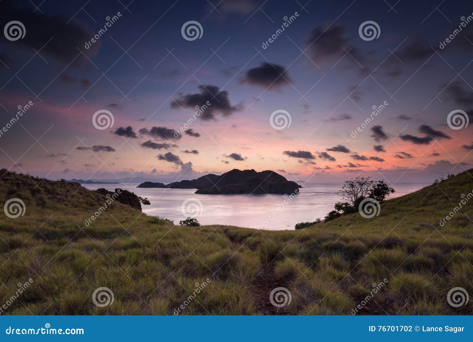 Komodo nattsolnedgång