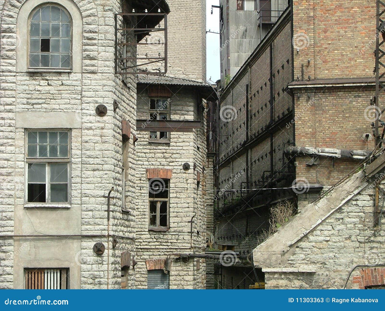 Komplex der verlassenen Gebäude