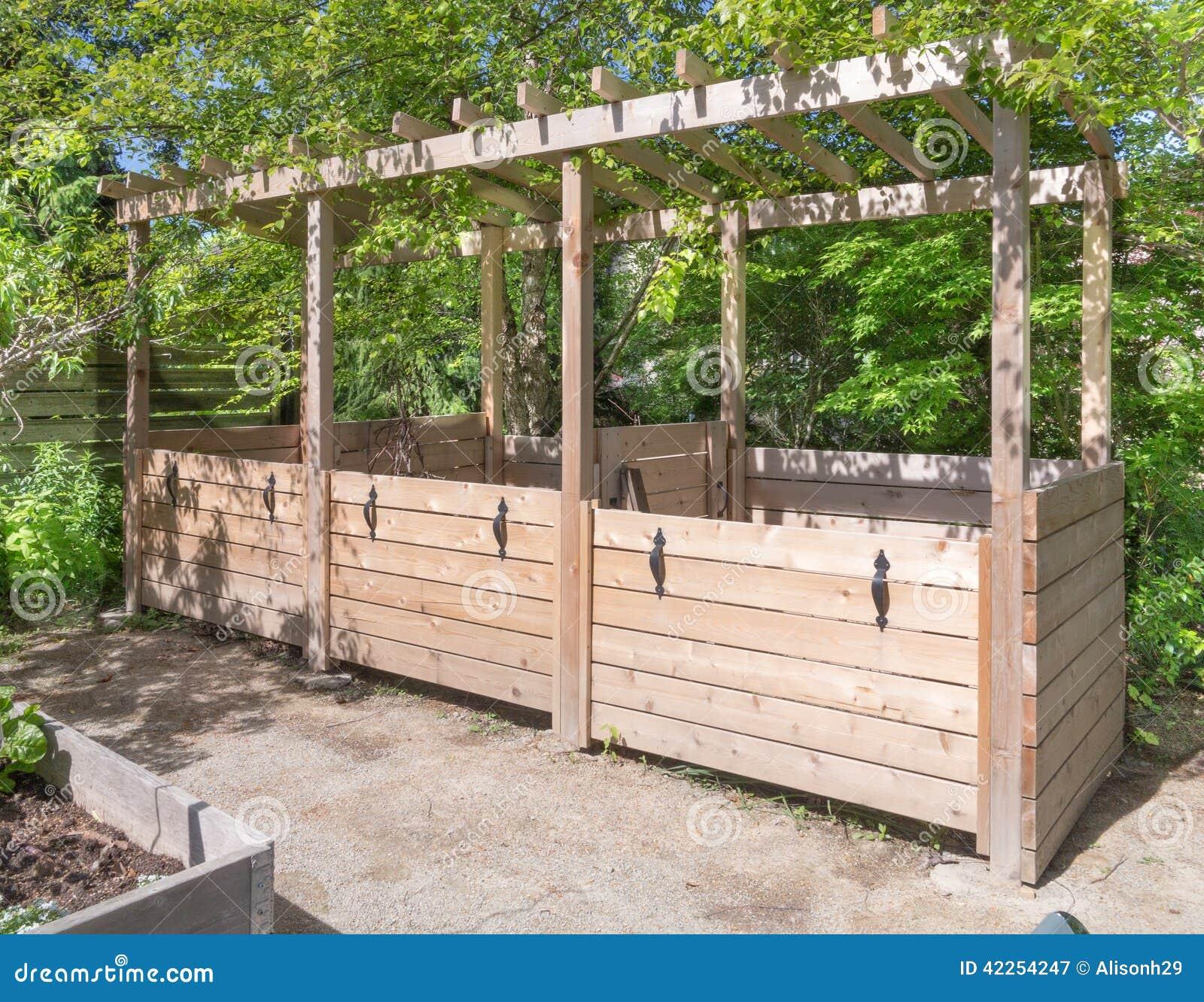 Kompostbehalter stockfoto bild 42254247 for Kompostbeh lter küche