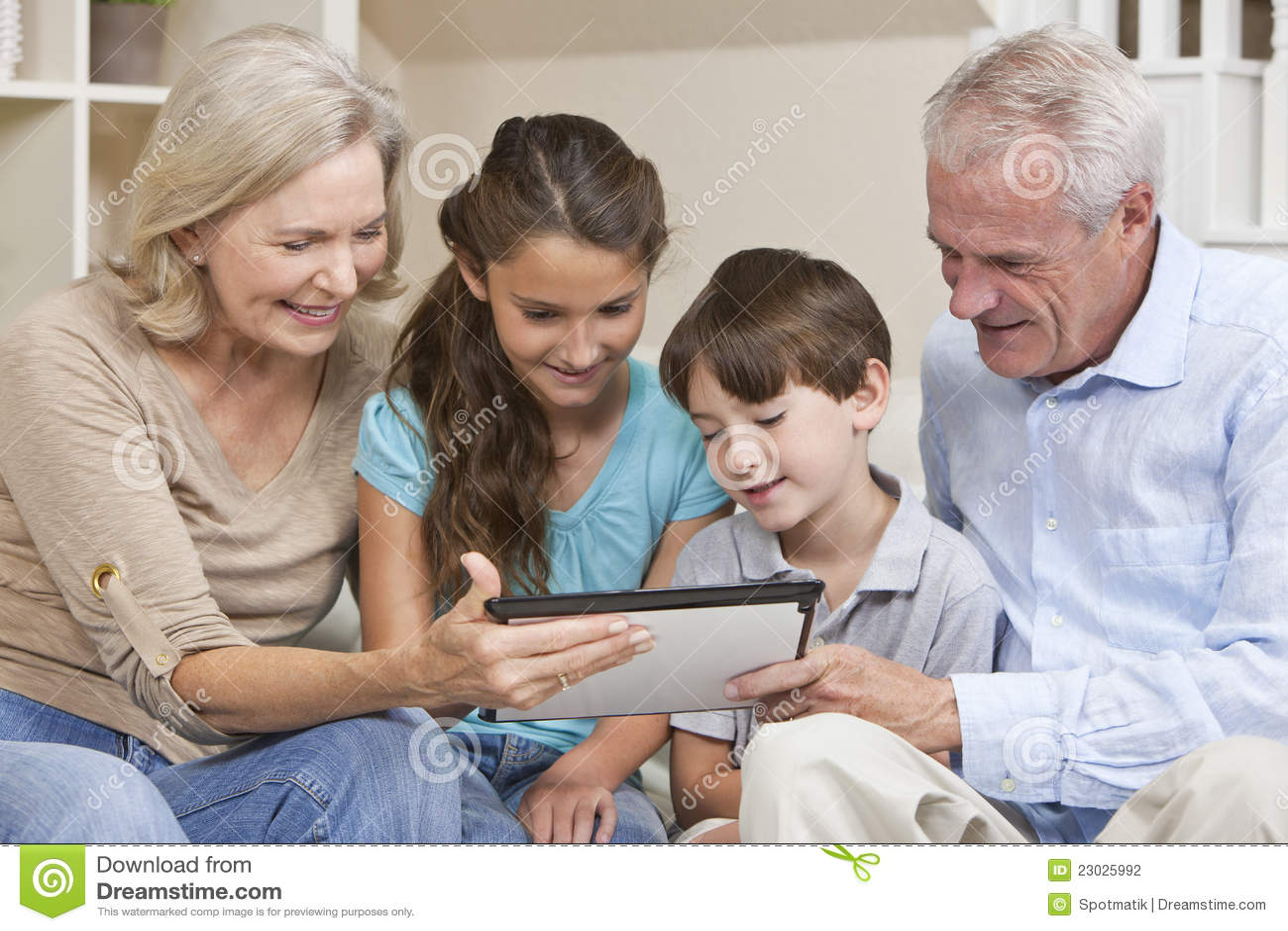 Komputerowa wnuków dziadków pastylka